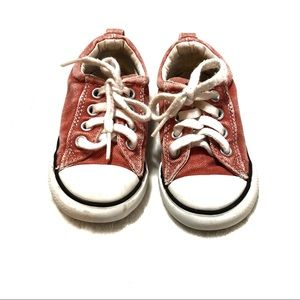 Distressed red converse toddler shoes Sz 7 sneaker